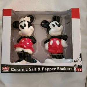 Disney Mickey mouse ceramic salt and pepper shaker